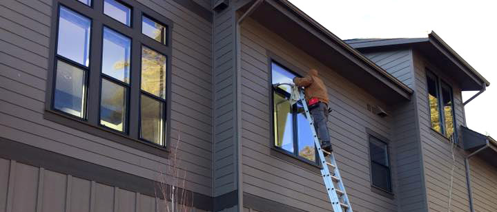 Cleaning Windows Outside Coeur d'Alene Residence